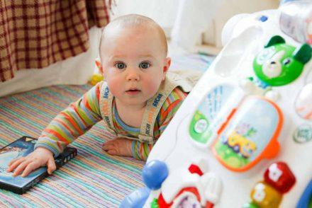 Foto del post cuando empieza a gatear un bebé